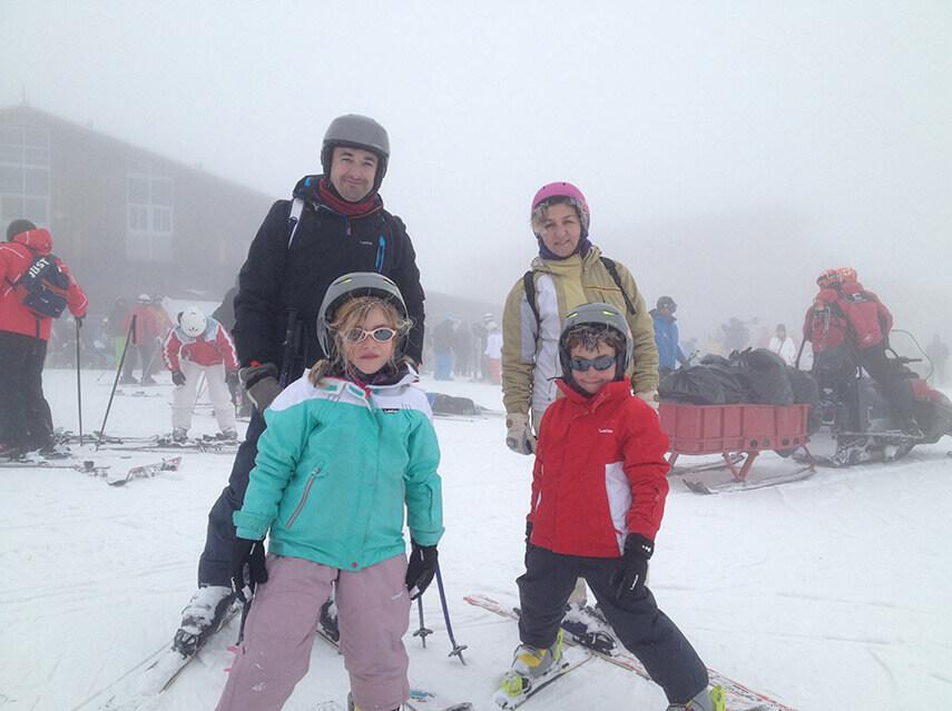 Esquiar en Sierra Nevada con Niños. Consejos Prácticos